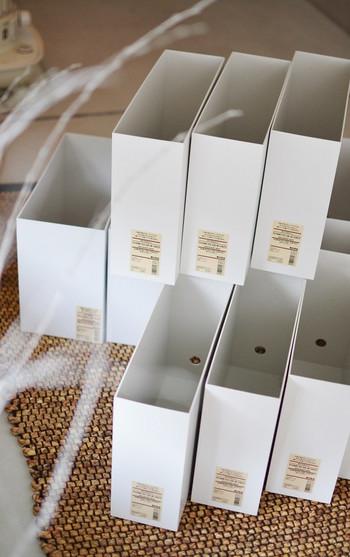 無印良品の収納グッズの中で定番人気の「ファイルボックス」は、そのシンプルなデザインと使い勝手の良さから、様々なメディアで取り上げられ、収納上手なブロガーさんたちの間でも大人気です。