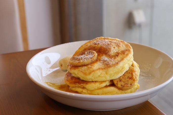 人気なのは「リコッタパンケーキ」。ふわふわとした生地の食感とハニーコムを練りこんだバターの絶妙な美味しさは、一度食べたら忘れられない美味しさです。
