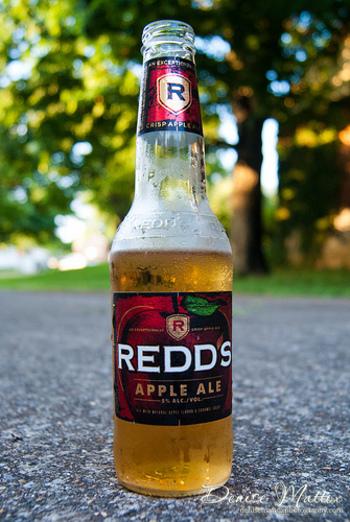 ビールにフルーツ等の風味をあとから足すフレーバービールも、ビールの苦味が和らいですっきり飲めるものがほとんどです。 特にアップルフレーバーのビールは海外でも人気で、さまざまな種類のものが販売されています。