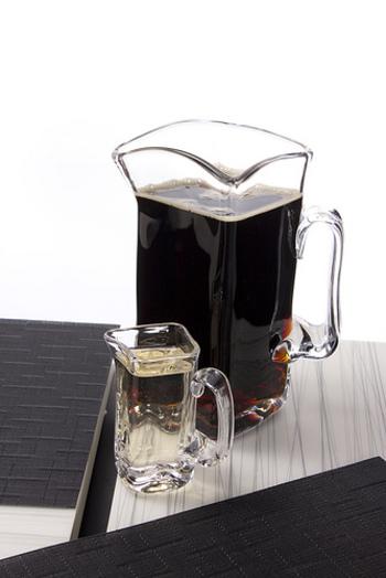 いつもコーヒーを淹れている道具で水出しコーヒーにできるのが嬉しいですね。 冷蔵庫に入れてもOKですが、氷が溶けにくいので最初の1時間程度は室温で溶かしたほうが良いようです。