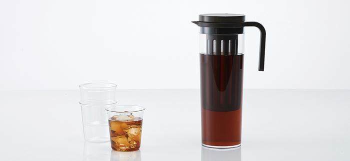 目の細かいフィルターがついているので、コーヒー粉さえ用意すれば、すぐに水出しコーヒーを淹れることができます。ストレートな形状なので、お手入れが簡単なのも◎