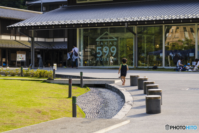 「登山」というと、山登りをしない方にとってはハードルが高く感じられるかもしれませんが、TAKAO 599 MUSEUMなら気軽に立ち寄りやすいですよね。豊かな自然と触れ合って、ぜひリフレッシュした休日をお過ごしください。