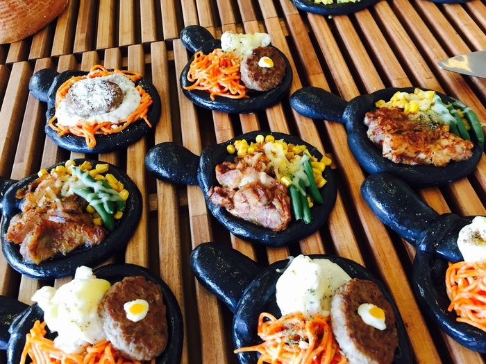 人気の「ふらいパン」は竹炭入りのパン生地に様々な具を載せて、まるで本物のフライパンのよう!ホームパーティーやお友達のお家にお邪魔するときに持っていくというのも、きっと喜ばれるはず。