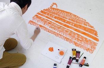 テキスタイルデザイナーである鈴木マサルさんと、インテリアメーカーの「NEXTHOME(ネクストホーム)」がコラボレーション。北欧テイスト漂う、アニマルデザインのオリジナルラグが完成しました。