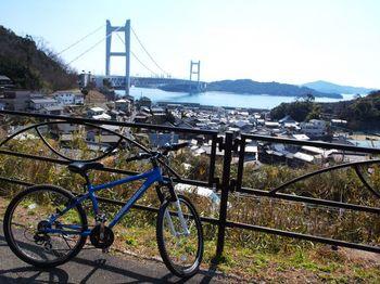 瀬戸内海を臨む港町でもある児島風の道からは、瀬戸大橋が一望できます。