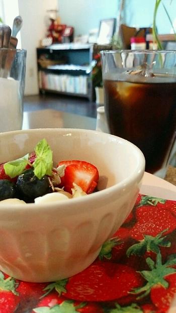 デザートで人気なのは、アサイーボウル。ビタミンたっぷりのヘルシーメニューです♪