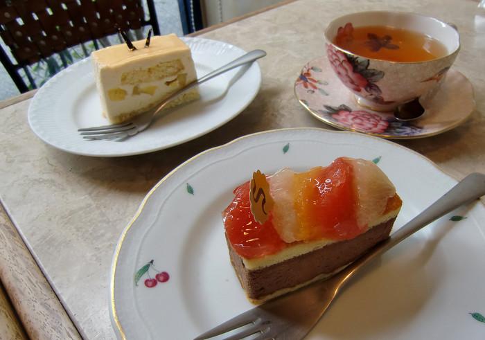 おすすめはやはり旬のフルーツを使ったケーキ。チョコやシナモンなどの風味とも絶妙に合っておいしいです♪