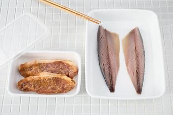 浅くて使いやすいので、お料理中のバットとしても活用できます。ふたをして、そのまま冷蔵庫で味をなじませたり、次の日のごはんの仕込みとして置いておくのもいいですね。