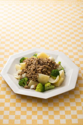 野菜だけではもの足りないけどお肉は重い…そんな気分の時におすすめなのがきのこをプラスするメニュー。 きのこのうまみで食べごたえアップ!
