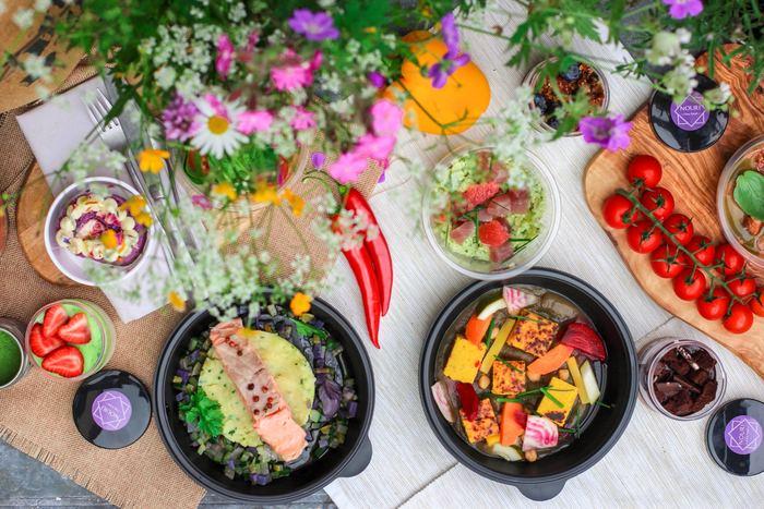 酷暑を乗り切る疲労回復効果が期待できる食材とレシピをご紹介しました。 最近は暦が秋に変わっても暑い日が続くようになりました。しっかり栄養と休息を取って、残りの夏も元気に乗り切りましょう!