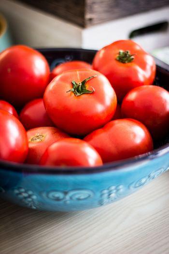 強い抗酸化作用で疲労の原因となる活性酸素を防ぐだけでなく、疲労回復効果もあると言われるリコピンはトマトに豊富に含まれています。その他トマトにはビタミンC、体内でビタミンAとなり抵抗力を高める効果の期待できるβ-カロテンも豊富に含まれています。