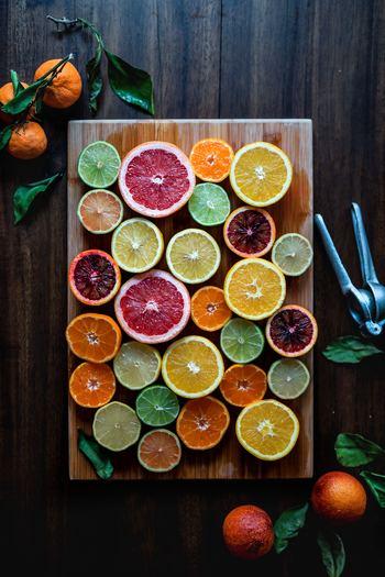 サラダやデザート、ドレッシングなどにもおすすめのビタミンCたっぷり食材といえば「柑橘類」です。とくに調理をしなくても食べられるので今日は作れないな、というような日にもおすすめです。