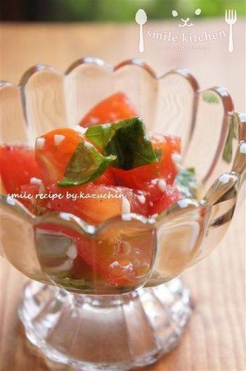 簡単に作れるのにバジルの爽やかな風味でオシャレな味に仕上がる、おもてなしにもピッタリのレシピは覚えておくと便利です。