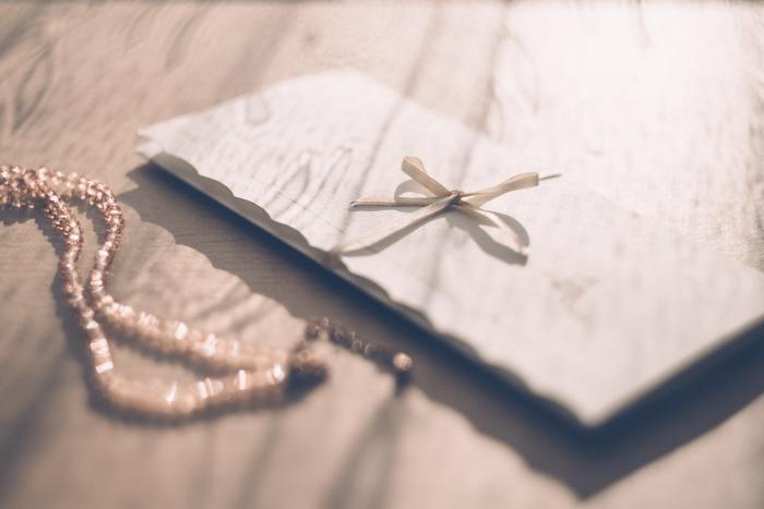 """相手を思いながら綴る手紙には、送りての""""思い""""があり、受け取った時の嬉しさはひとしお。 遠く離れた友人へ、お世話になったあの人へ、お礼の気持ちを伝えるために…いろいろな思いを手紙にのせて、届けてみませんか!"""
