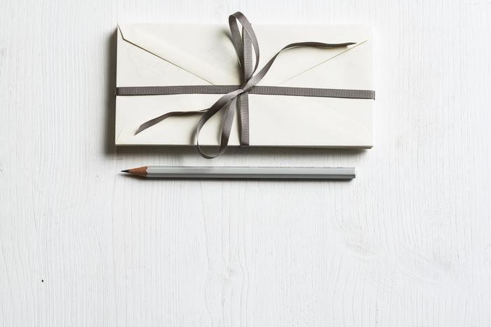 季節の挨拶、嬉しかったこと、お礼の言葉… 手紙だからこそ伝わる「あたたかさ」があります。 みなさんも、おもいおもいの言葉に思いを込めて、手紙を送ってみませんか♪ 思いを巡らせながらペンを取る時間もきっと楽しいひとときに…。