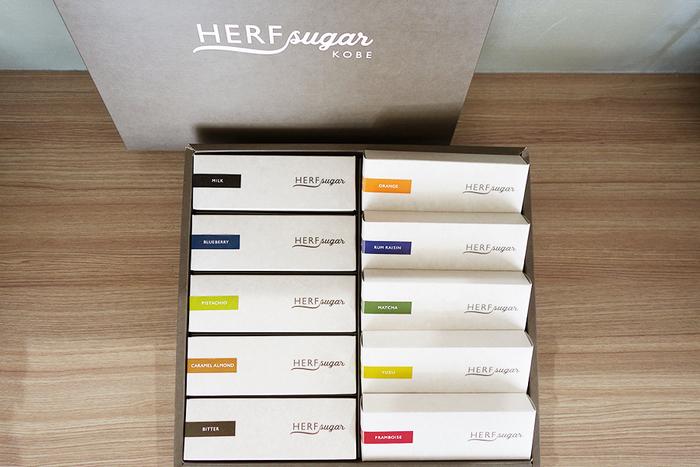 オリジナルのパッケージで贈り物にもおすすめ。 夏には、イチゴやマンゴーなどさらに5種類のチョコレートサンドが登場する予定との情報も。 今後の展開にも要注目!