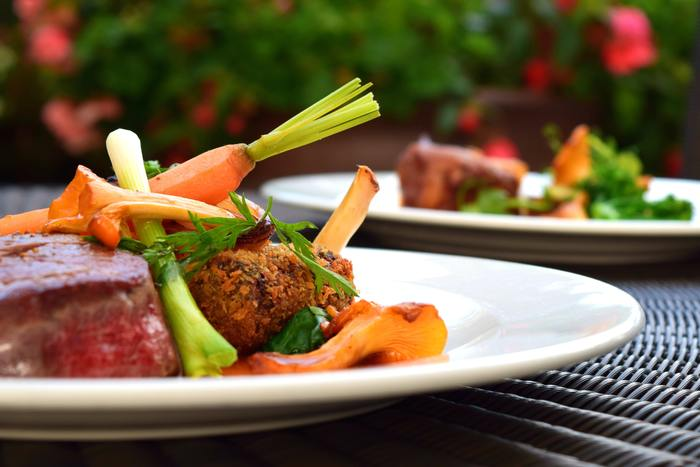 映画の後にはちょっと贅沢におしゃれなレストランでディナーはいかが♪美味しいお料理をお腹いっぱい食べることで明日からのエネルギーチャージもバッチリです。
