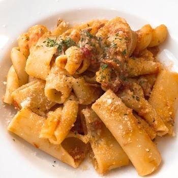 産地直送のこだわり野菜、歯ごたえにこだわった幻のパスタを使ったイタリアンの味を堪能できます。