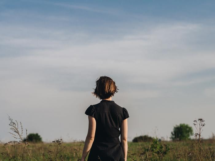 悩むのはやめにしましょう。人の期待に応えるための人生ではなく、自分のための人生だからです。もっと自分の気持ちに正直に行動しましょう。