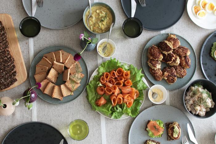 朝・昼・晩の食事、ホームパーティー、大切な記念日、おもてなし… 笑顔で食事を楽しむ時間は、幸せな気分になれる特別な時間。