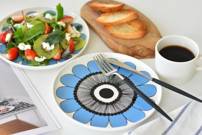 こちらは、朝食・昼食・夕食といつでも使いやすい20cmサイズのラウンドプレートです。サラダを盛り付けたりパスタやメインディッシュ用として使ったり、ワンプレートご飯用として使うのも◎。