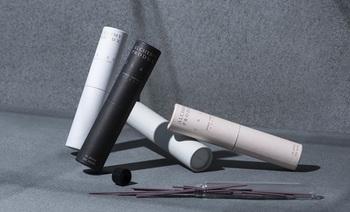 デザイン性の高いフレグランスアイテムを届ける、オーストラリアのブランド「ALCHEMY PRODUX(アルケミープロダクツ)」。試験管型のガラスに入れられたお香は、そのまま飾ってもとてもハイセンスな印象になります。