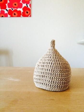 見ているだけでもキュートなドングリ帽子。編み方さえ覚えてしまえば簡単に作れます。カラーリングも色々楽しみたいですよね。