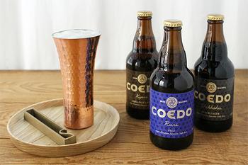 お酒を飲む人が多い集まりなら、日本のクラフトビールの代表格であるコエドビールはいかがでしょう?日本のビール職人さんたちが丹精込めて作り上げた繊細なお味がします。しっかり冷やしてから飲んでほしくなる手土産です。