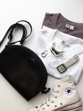 白Tシャツって、気持ちがいいもの。シミひとつない白Tシャツは、気持ちも姿勢も「しゃっきり」させてくれますよね。