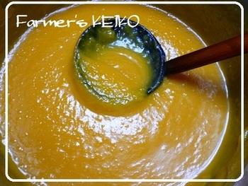もっと時短したい方は、時間がある時にかぼちゃのペーストを作っておきましょう。そうすれば、食べたい時にそのかぼちゃのペースト(素)に牛乳や豆乳を加えて混ぜるだけですぐに食べられます!