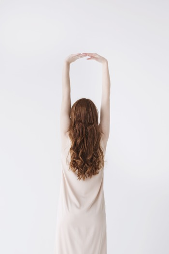 体幹がしっかりしていると、内臓が支えられ背骨や骨盤も安定するので、姿勢改善はもちろん内臓の働き改善にも効果が期待でき、代謝がアップすると言われています。
