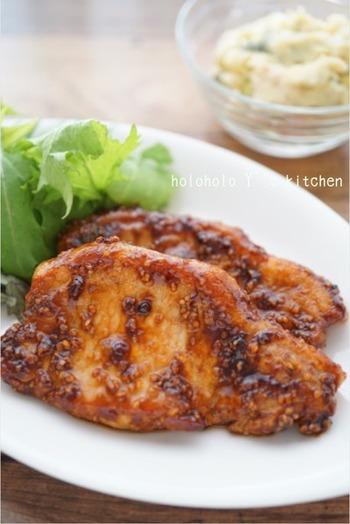 しっかりスジ切りした豚肉をソースとともに焼き絡めて作るトンテキレシピ。豚の脂身の美味しさを再確認できるレシピでお弁当にもオススメです。3ステップで作れるので忙しくても簡単に作れます!