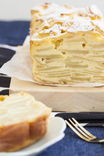 チーズケーキ好きならぜひ挑戦してもらいたいのがコチラ!クリームチーズの風味とりんごの甘酸っぱさがとっても美味しいチーズ味のガトーインビジブルです。