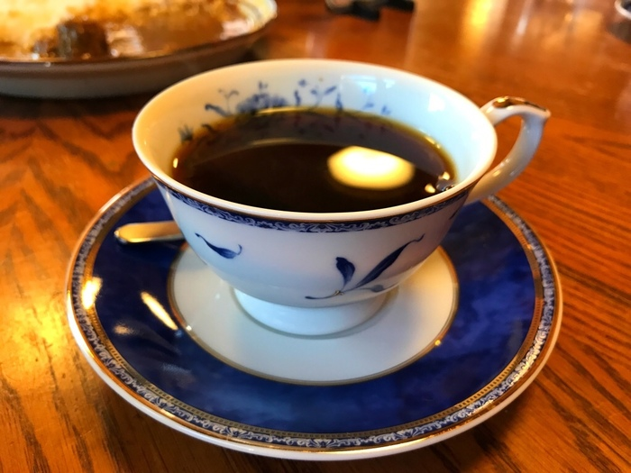 世界で最も高価なジャコウネコのコーヒー「コピ・ルアック」がいただけるのも魅力のひとつ。とても繊細で優雅な香りで、意外なほどクセがない味わいなので、ぜひ一度注文してみてはいかがでしょうか?
