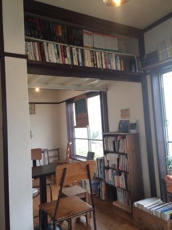 「ノラ カフェ(nolla cafe)」は、空き家になっていた古民家を改装して生まれたカフェです。古き良き雰囲気を味わえるのも魅力。店内には自由気ままな猫たちの姿も♪ただ猫とふれあえる猫カフェではないとのことです。カフェのあり方に合わせて、そっと見守るだけにしましょう。