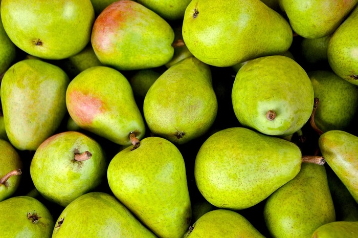 日本の梨とは違い、ねっとりとした濃厚な甘さが美味しい洋梨。 洋梨は熟したものを収穫し、さらに追熟して食べるのが理想だそう。表面に傷がなく、部分的にやわらかくなっていないものを選びましょう。