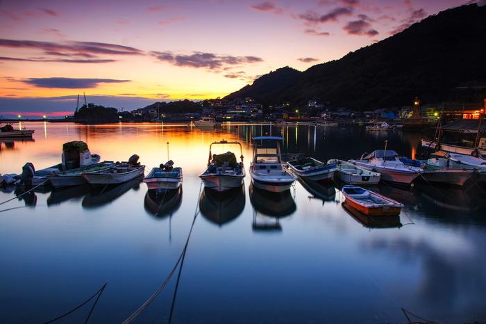 最後に、岡山にほど近い広島の都市・福山と景勝地の鞆の浦エリアのカフェをご紹介。 個性的なカフェが並んでいますよ。