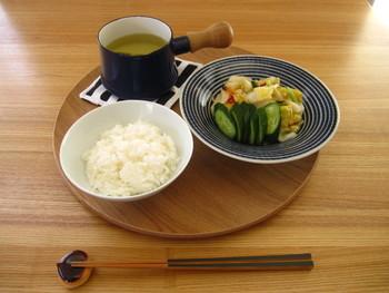美味しいお漬物と、ご飯、汁物があれば立派な食事になりますね。お漬物の適度な塩分と一緒に沢山の野菜を摂ってヘルシーな食生活を。日本で昔から親しまれてきた漬物の魅力を見直して、ぜひ今日からの食生活に取り入れてみましょう♪