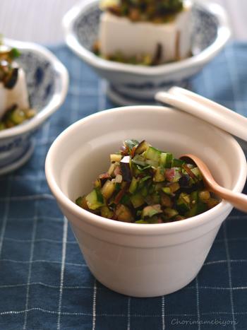 山形の郷土料理「だし」。夏野菜や香味野菜を刻んでご飯に乗せるので、残暑が厳しい時期にもさっぱりと食べられます。