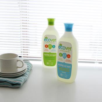 エコベールは1979年創業のベルギーの会社。植物由来成分で作られた洗剤は、高い洗浄力と安全性でヨーロッパの病院や家庭で哺乳瓶の洗浄用として使われているお墨付きです。
