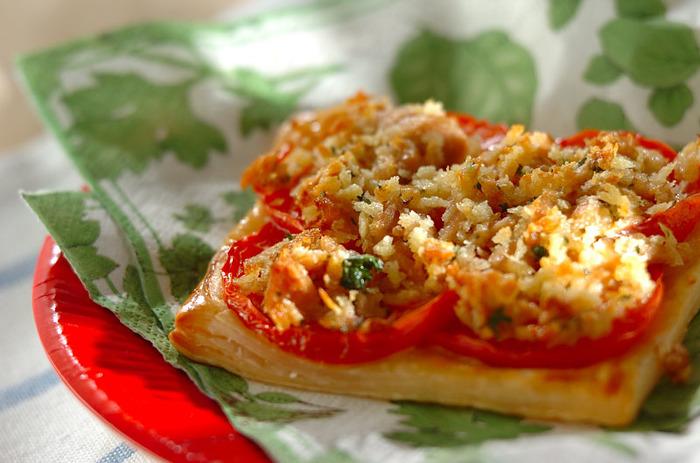 トマトのさわやかな酸味がパイシートのバターの香りにマッチ♪いつものトーストに飽きた時にもおすすめです。
