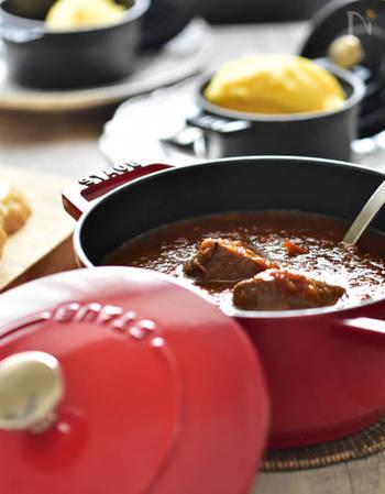 デミグラスソースがあれば、家でも手軽に本格的な洋食が作れます。手作りして自分好みの味を追究しても良し。市販のデミグラスソースをアレンジしてレパートリーを増やすも良し。いろいろ試してみてくださいね。