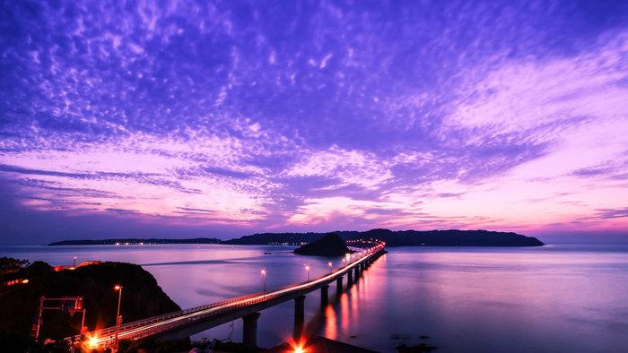 日中もいいですが、夕方はなんとも幻想的な雰囲気に包まれます。昼夜異なる景色をぜひ楽しんで。
