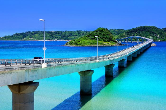 澄み切った青い海…「角島」には、南国のような絶景があります。都会の喧噪を離れて、美しいブルーに癒されてみませんか♪