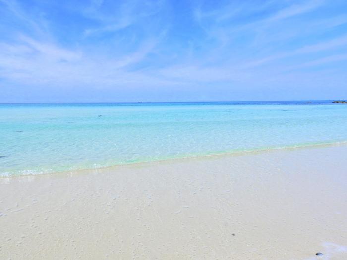 透明度が高くキラキラと輝く海や潮風に心癒されて、ちょっと散策するだけでもリゾート気分に浸れますよ♪