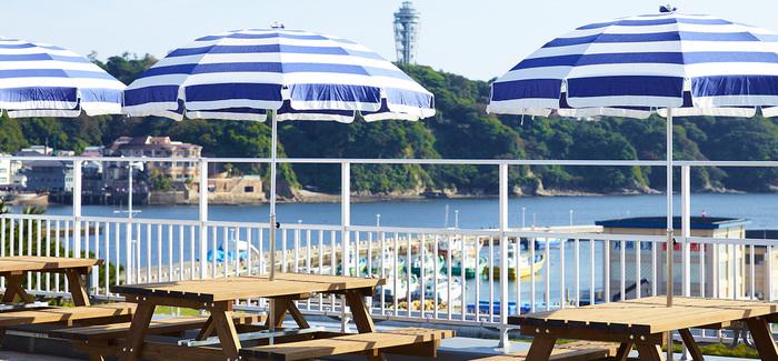 駅近でアクセスに便利な「ガーブ」は、目の前に江の島の海が広がる絶景オーシャンビューが魅力のお店です。