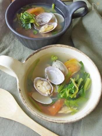 あさりとトマトの出汁がしっかり効いたスープ。空芯菜も入り栄養ばっちりです。食欲がない時はこのスープにご飯を入れてリゾット風に食べても良さそうです。また、空芯菜だけでなく、ツルムラサキでも代用できそうですね。