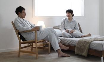 パジャマを着ることで、体と心が就寝に向けてスイッチを切り替えてくれます。着心地の良いパジャマだと素敵な夢が見られそうです。