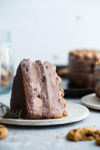 手作りとなると少し面倒なこともあるかもしれませんが、心が込もっているだけに味わう喜びは倍増するはず!そしてケーキの味が美味しかったら、あなたはお相手のハートをグッと掴めること間違いなしです!今回は、初心者さんや不器用さん向けの簡単レシピから上級者さんレシピ、そしてカロリーオフレシピにフルーツ入りレシピまで、様々なレシピをご用意致しました!