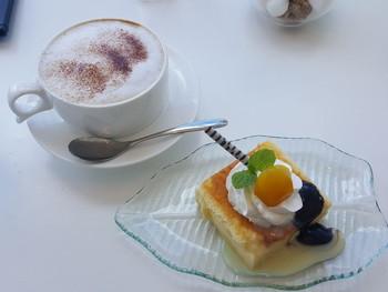 カフェだけでの利用も可能です。観光でちょっぴりお疲れ気味の体を甘いデザートで癒しましょう♪
